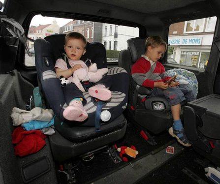 S1-10-conseils-pour-distraire-votre-enfant-en-voiture-20767